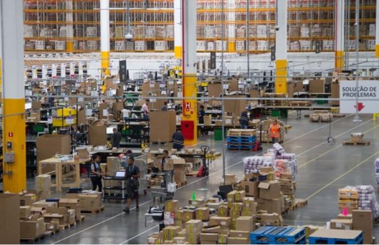 centro-distribuicao-Amazon-2.jpg