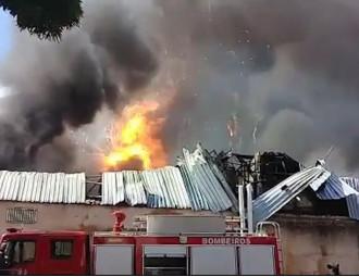 incendio-fogo-ortobom-salvador-sabado-29.jpg