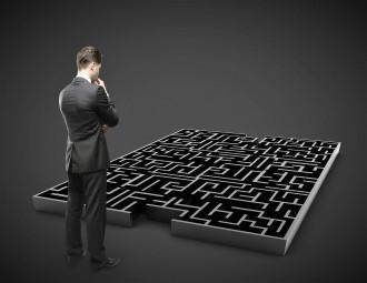 16700722_ml-business-man-maze.jpg