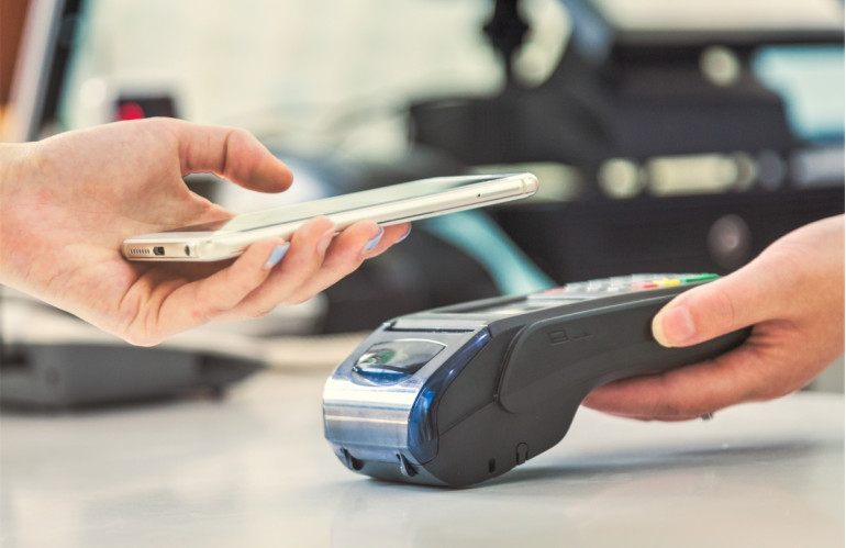 mobile-payments-mobile-scanning-payments-face-to-face.jpg