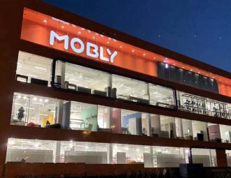 mobly12.jpg