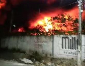 1_incendio_caucaia_2-16794712.jpg