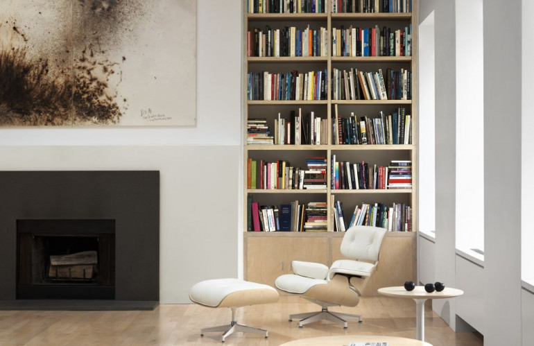 Eames_Lounge_Chair_and_Ottoman_Herman_Miller.jpg