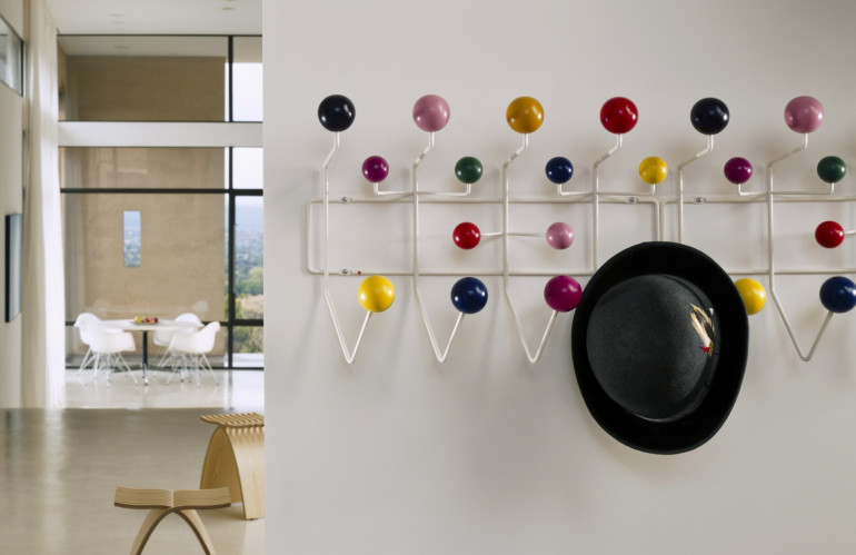 Eames_Hang-It-All_Herman_Miller_2.jpg